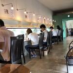 麺's たぐち - 内観 カウンター席