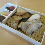 たかべん - 料理写真:鶏めし