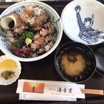 ホテル海音里 - サザエ丼