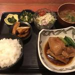 むちゃく - 鷄モモ肉の角煮=750円