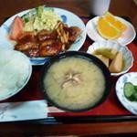 居酒屋きく乃家 - 鶏肉としめじの照り焼き定食850円