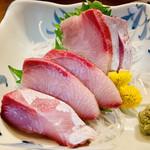 Aoi - 北海道産 ブリ刺し