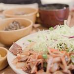 旬菜工房 茶里 - カルビ焼肉定食をいただきました(^ ^) 野菜がいっぱぃ♪こだわりがとっても伝わります!!