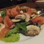 パジャッソ - マッシュルームとバジリコのサラダ