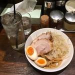 麻布ラーメン - レモンサワー480円、おつまみセット550円