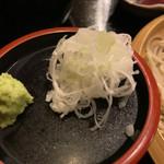 三平 - 蕎麦つゆと薬味