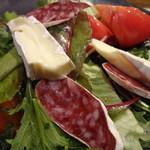 11666339 - オーガニックサラダブリー(チーズ)のせ