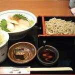 信濃 - 海鮮ちらし丼と蕎麦(1480円税込) ※蕎麦はもりそば又はかけそばから選択。