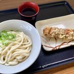 てら屋うどん - 料理写真:ぶっかけうどん小、ちくわ天、計¥320-。