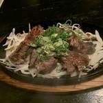 和みだいにんぐ 亜蔵 - 和牛一口ステーキ