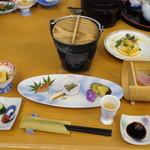 潮風館 - 料理写真:最初に用意されていた膳