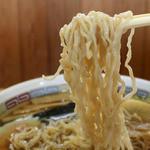 名代 三角そばや - カンスイを使わない白っぽい麺
