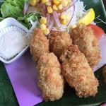 はるみ - 大きな広島産カキフライが5個