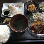 むちゃく - 真鯛の刺身&豚フィレのピカタ