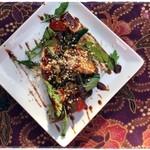 ケニーアジア - ロジャ:ごろごろ野菜と果物のサラダ