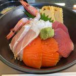 さらduさら - 料理写真:海鮮丼 1100円。