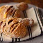 大粒イチジクとクリームチーズのくるみパン