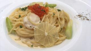 レストラン レ・フレール - いくらと帆立のレモンクリームパスタ
