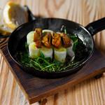 学芸大学前 肉寿司 - 焼きネギフォアグラのととろけるアヒージョ
