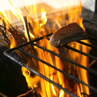 高知流!香りと甘みが絶品のカツオの藁焼きタタキ