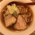 麺や 七彩 - 喜多方ラーメン(醤油)中盛 1,100円