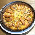 チョリソーとキノコ・チーズのパエリャ