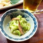 喜多八  - 島瓜となまり節(鰹)酢の物。島瓜のパリパリ食感は想像以上!