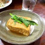 喜多八  - 揚げ出し豆腐。島豆腐に、島で採れたニラを乗せて。じわりと来る「和」の旨味です
