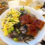 さち福やCAFE - 錦糸卵・枝豆を乗せたうなぎご飯。甘辛いタレの力で、ご飯が進みます