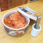 さち福やCAFE - 卓上の小鉢には「博多ふくいち」明太子の切れ子がたっぷり! 食べ放題なので、ごはんは基本「大盛」で♪