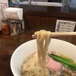116779884 - 麺アップ