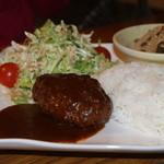 ICHI - 昼のランチ ハンバーグ定食 700円