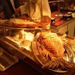 11678517 - 宴席料理、鯛の塩釜焼き