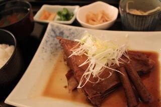 炭火魚 旬彩料理 坂本 - マグロのかま