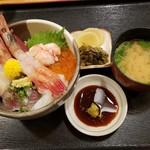 うおとら - 海鮮丼(ランチ)2019.09.18