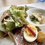 7階のナム - ◆前菜・・「煮豚とサラダ(ドレッシング添え)」「クリームチーズと黄身を和えた玉子、栗の甘露煮」 「大根キムチ(アサリ入り)」