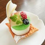だんろの家 - 【期間限定】ポムベルト ~青りんごと栗のケーキ~