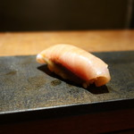 田久鮓 - 鰤、軽く燻製されたもの