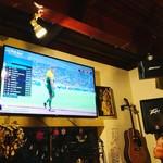 ジラソーレ - 60インチの4K大画面でスポーツ観戦やライブ映像を!