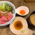 シティライツ - ローストビーフ丼