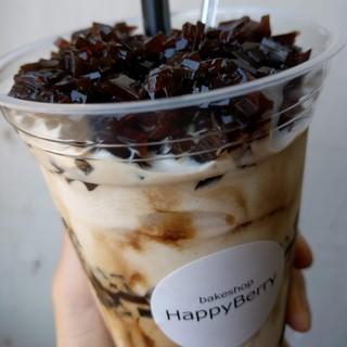 ハッピーベリー - 料理写真:【コーヒージェリーシェイク】たっぷりコーヒージェリー&コーヒーベースのミルキーシェイク。ほろにがうまうま♪ 期間限定