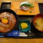 づけ丼屋 桜勘 - 料理写真:月見づけ丼定食