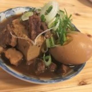 当店人気メニューの肉豆腐