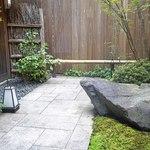 京うどん 生蕎麦 岡北 - 素敵な中庭