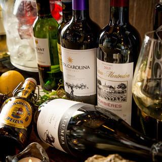 ソムリエが導く、選りすぐりの世界各国のワインを心ゆくまで♪