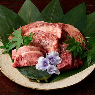 あぐー豚・石垣牛など沖縄産高級食材をお楽しみいただけます。