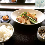 魚久 - 料理写真:【季節限定】つくば鶏の柔らか仕立て(葱醤油バージョン)  ¥1,000- (税別)