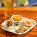 炭火割烹 蔓ききょう - ゴリの稚魚、白蜜かぼちゃ、小鮎、卵味噌漬け、グラパラリーフ