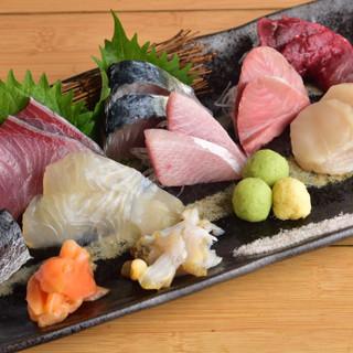 季節に合わせて毎日替わる◎新鮮な魚介類をリーズナブルに堪能!