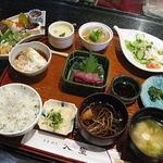 豆菜 板前割烹 入星 - 2012.1撮影 昼の彩り膳(当時1890円)コーヒーとデザートも付きます。